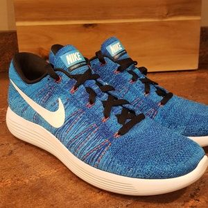 Nike Shoes - Men's Nike Flyknits